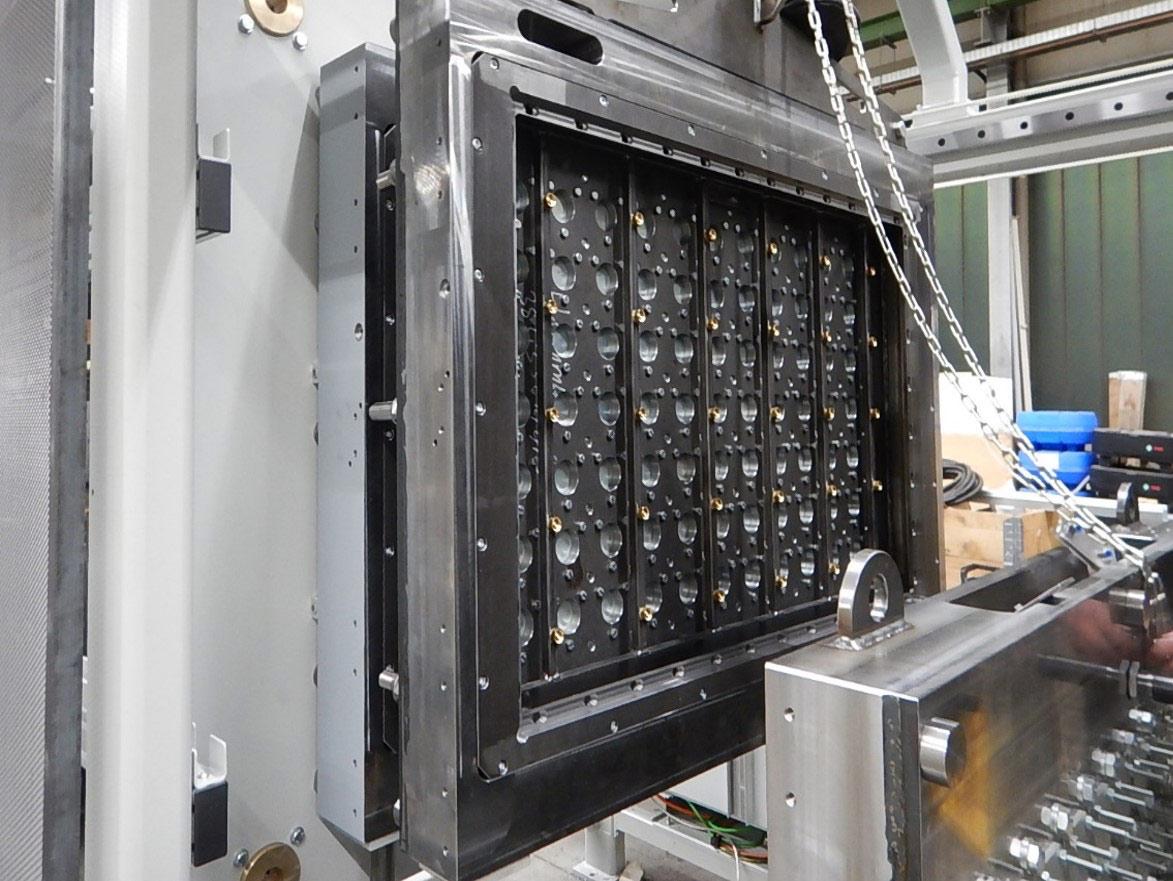 EPS-Formteilautomat zur Herstellung von geschäumten Formteilen